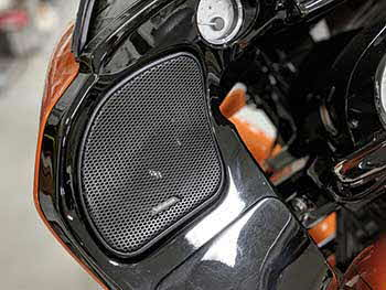 2015 Harley Davidson Road Glide. We installed a full Rockford Fosgate Harley kit and cut the bag lids for the speakers.